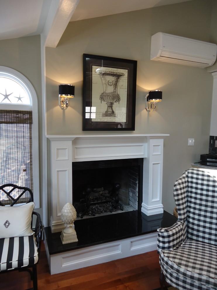 现代别墅起居室优雅精致型壁炉设计装修效果图