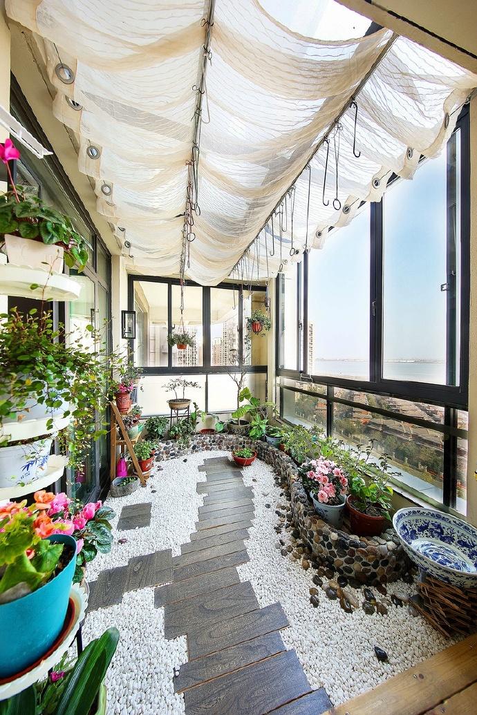 新中式阳台小花园装修效果图