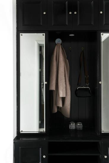单身白领的黑白色两室一厅
