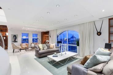 360度全景现代顶层复式梦幻公寓设计